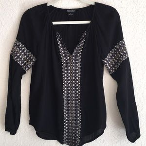 Lucky Brand Boho Embroidered Blouse. Size S.